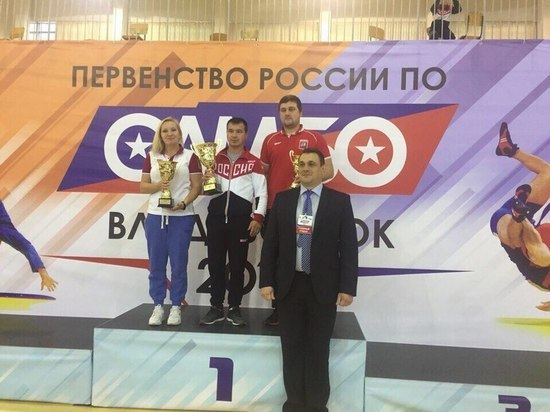 Глеб Петров одержал победу первенство РФ посамбо