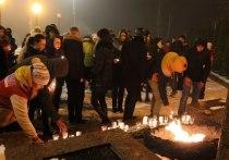 В Серпухове состоялась молодёжная флеш-акция Свеча памяти